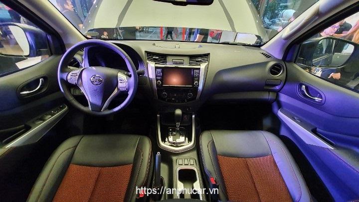 Nissan Navara 2020 noi that xe