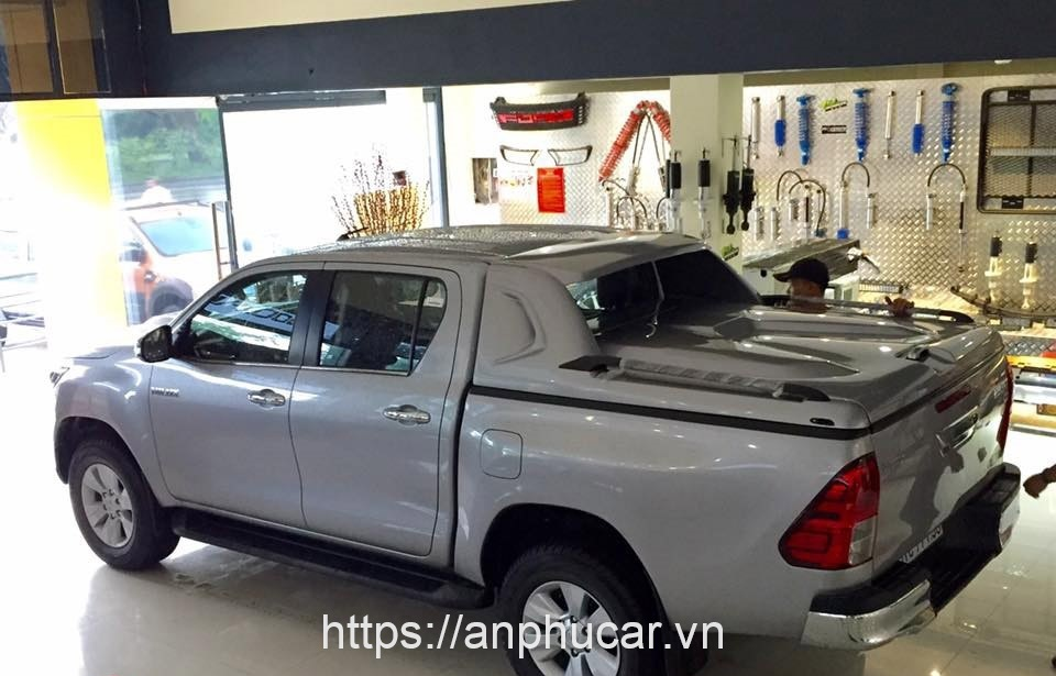 nap thung thap xe toyota hilux