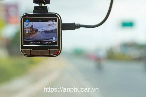 camera hanh trinh o to