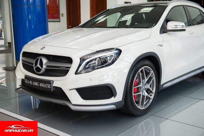 Mercedes GLA 45 dau xe