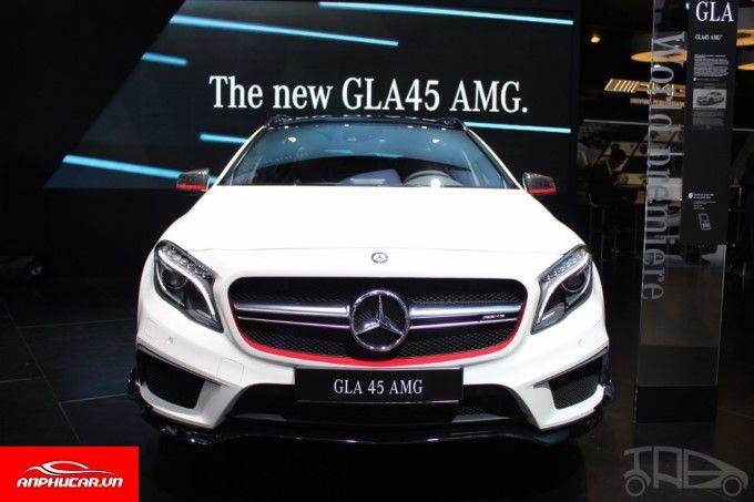 Mercedes GLA 45 den xe