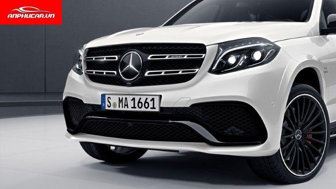 Mercedes GLS 63 4Matic den xe