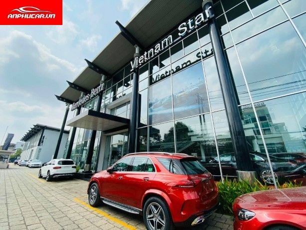 mercedes truong chinh showroom