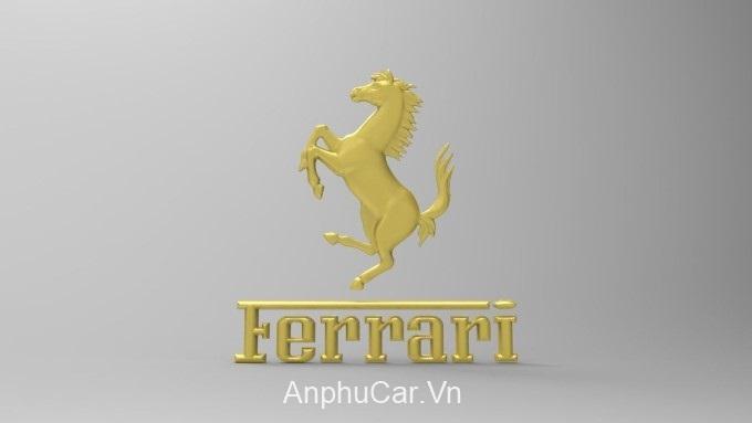 xe Ferrari Ngua Vang