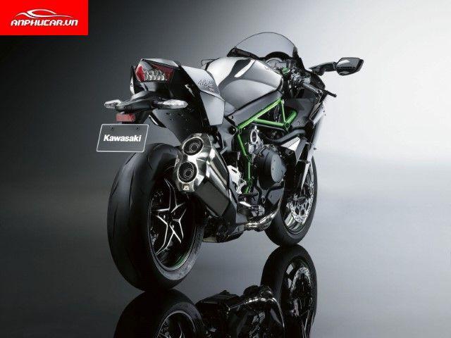 Kawasaki Ninja H2R duoi xe