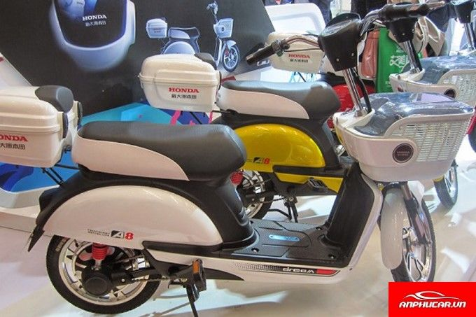 Xe May Dien Honda A8