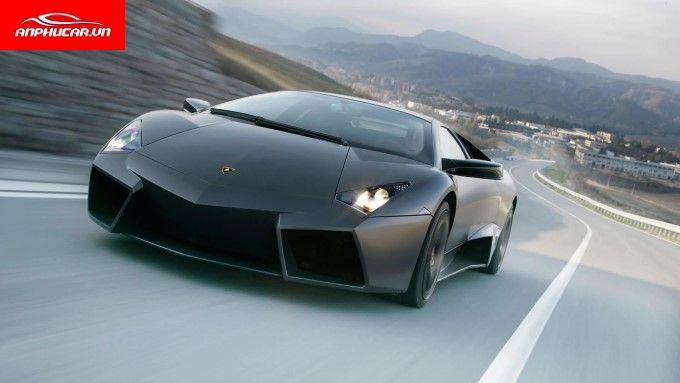 Xe Lamborghini Dong Co