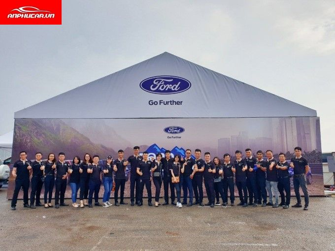 Ford Nha Trang Nhan Vien