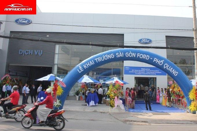 Ford Pho Quang Chinh Hang